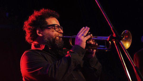 Gillespi levantó el telón en otro ciclo de jazz y blues