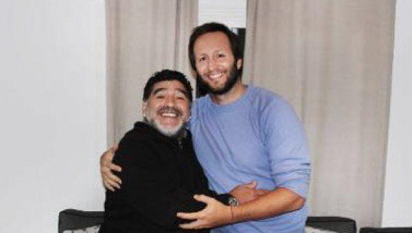 Diego firmó con Telefé para hacer una miniserie de su vida