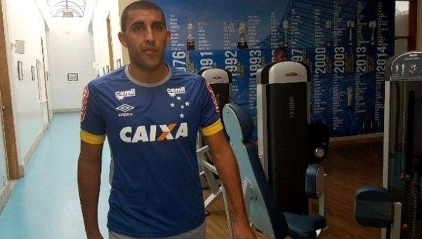 Fútbol sudamericano: perdió Cruzeiro en el debut de Wanchope
