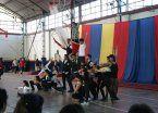 Acrobacias, malabares y danzas en el Club Ducilo