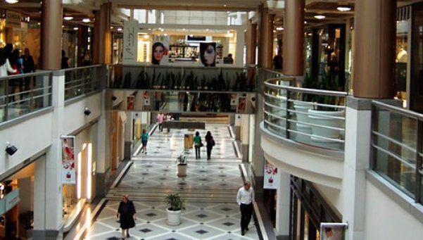 Se desaceleró el consumo en supermercados y shoppings