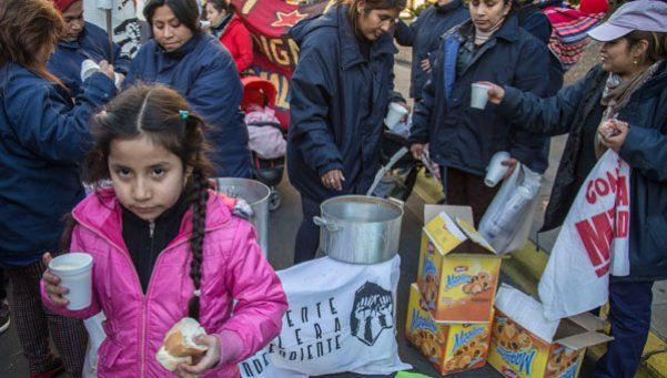 Barrios de Pie celebró la realización de las 100 ollas populares