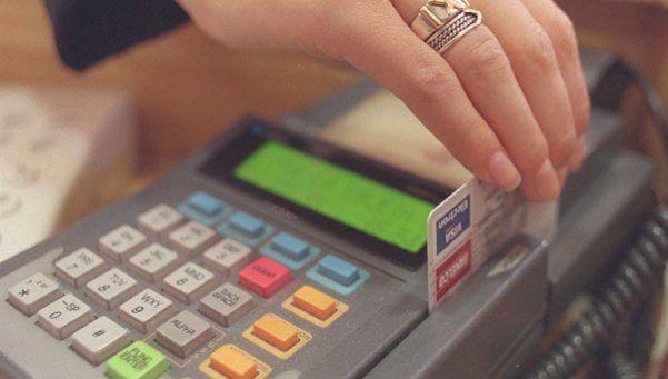 El Gobierno quiere abrir el mercado de tarjetas de crédito