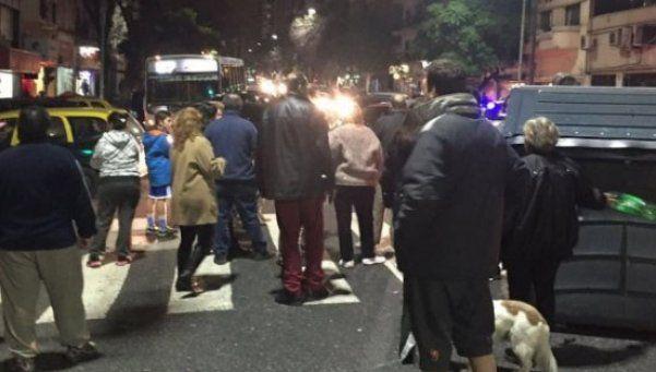 Vecinos de la Ciudad cortaron calles por falta de luz