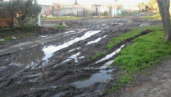 El barro, un común denominador de muchos barrios de Ezeiza