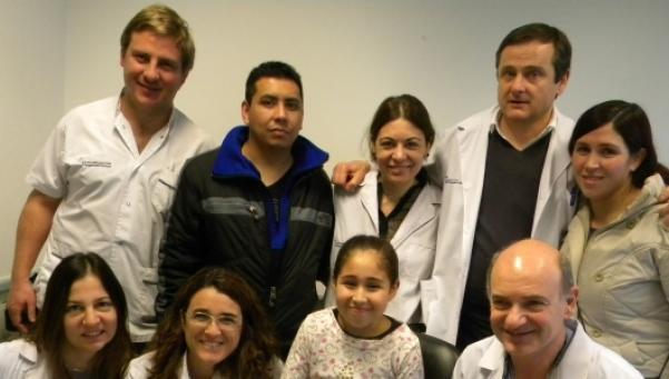 Primer  trasplante renal pediátrico con donante vivo