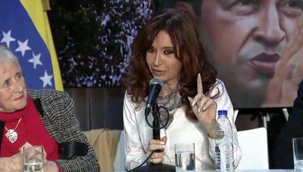 Cristina salió a cuestionar la política de DDHH del Gobierno