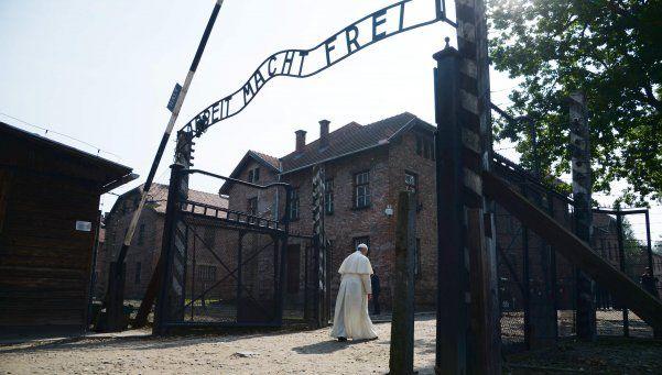El Papa rezó en Auschwitz por las víctimas del nazismo