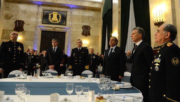 Macri invitó a las FFAA a cumplir un rol preponderante