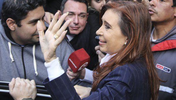 """Cristina: """"El Gobierno saca conejos de la galera para distraer a la gente"""""""