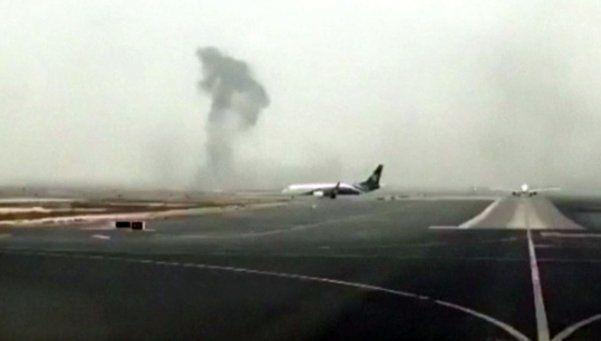Video | Avión de Emirates se prendió fuego tras aterrizar en Dubai