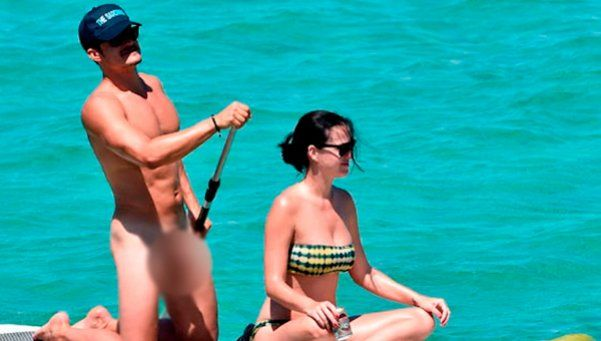 Orlando Bloom remó para Katy Perry... ¡con el pene al aire!