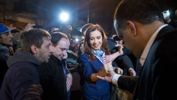 """Piden investigar a Cristina por """"traición a la patria"""""""