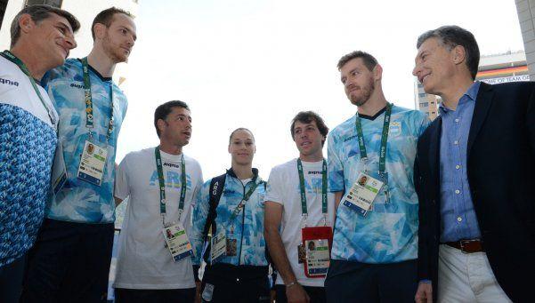 Macri visitó a los atletas argentinos en la Villa Olímpica