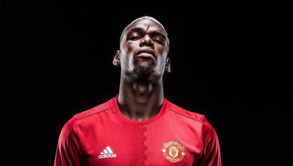 Pogba firmó con Manchester y es el jugador más caro de la historia