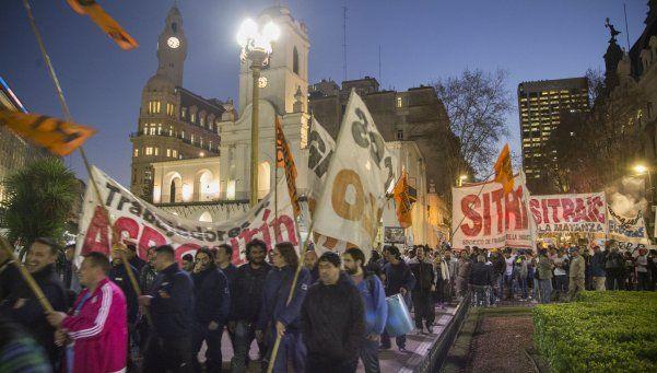 Partidos de Izquierda se movilizaron a Plaza de Mayo contra el tarifazo