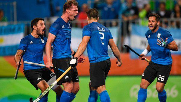 Los Leones, con un salto a la historia, ya están en cuartos de final