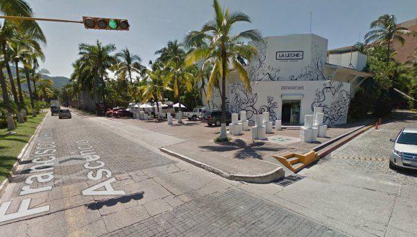 México: armados, ingresan a restaurante y secuestran a 16 personas