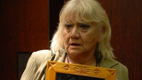 Madre da una pelea desigual tras el asesinato de su hijo