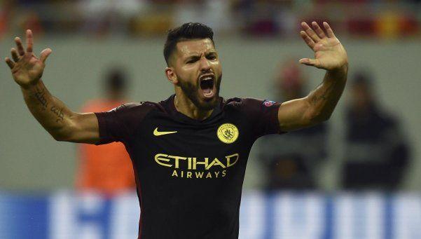 Agüero hizo 3 goles y erró 2 penales en la goleada del City