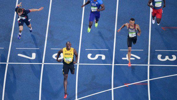 Bolt ganó el oro en los 200 metros pero no festejó