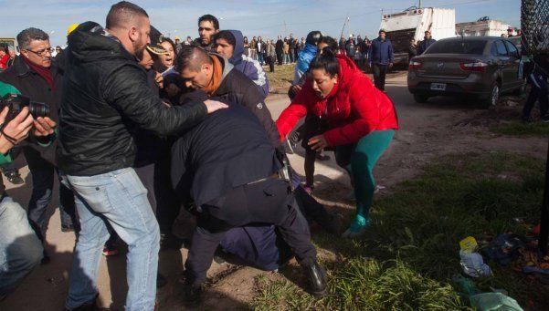 Detuvieron al sospechoso de tirar piedras al auto de Macri
