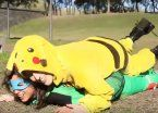 Marian Farjat se vistió de Pikachu y atacó a un Squirtle