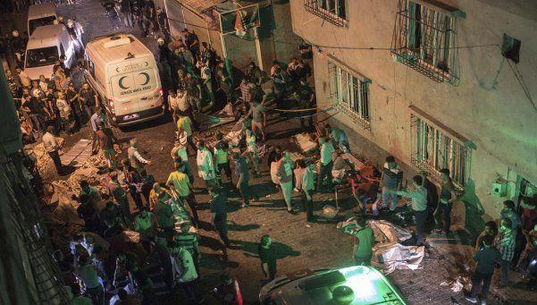 Atentado durante una boda en Turquía: 51 muertos y 69 heridos