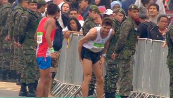 Espíritu olímpico: maratonista argentino corrió ¡7 kilómetros! lesionado