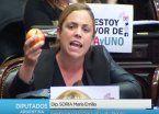 Video I Diputada de Río Negro apuró a Peña con manzana en mano