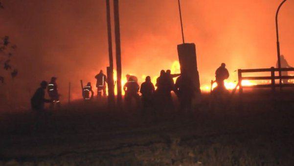 Evacuaron dos pueblos en San Luis por un incendio descontrolado