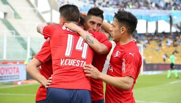 Independiente aprovechó un regalo de Olave y festejó en Córdoba
