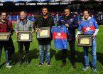 El fútbol homenajeó a Los Leones tras el Oro