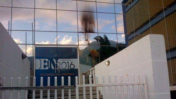 Venezuela: encapuchados lanzaron bombas y excrementos a diario El Nacional