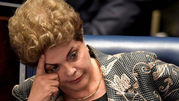 Destituyeron a Dilma Rousseff como presidenta de Brasil