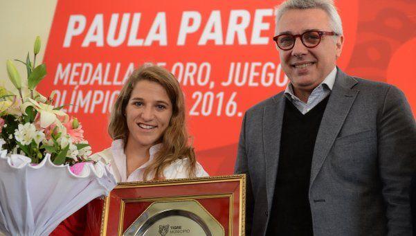 Distinción a la campeona olímpica Paula Pareto