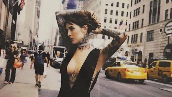 A Cande Tinelli ya no le queda nada por tatuar