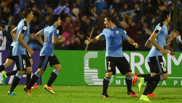 Uruguay mostró todo su poder de fuego y aplastó a Paraguay