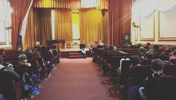 Una charla sobre el aborto en el Pellegrini sembró la polémica