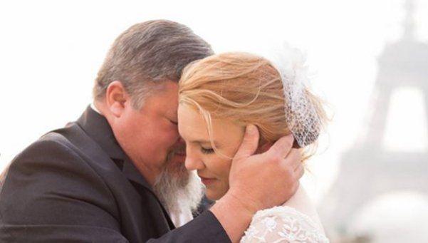 Un detective inglés murió cuando bailaba el vals con su hija