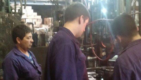 Paralizan la producción en Cristales San Justo