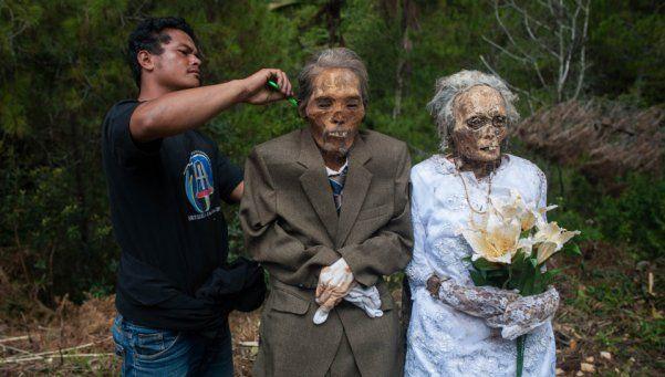 Fotos | Desentierran a los muertos en un tétrico ritual