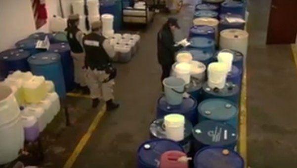 Incautan precursores químicos para fabricar 4 toneladas de cocaína