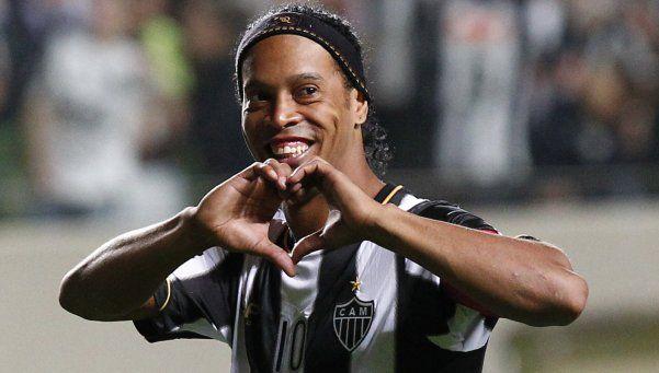 Los 10 mejores goles de Dinho, el día después que anunció su retiro