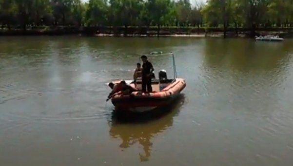 Gualeguaychú: aprendía a manejar, el auto cayó al río y murió ahogada