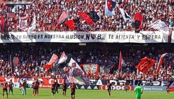 Tu deseo es nuestra ilusión, la bandera de Newells para Messi