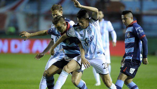 Atlético Tucumán derrotó a Arsenal y se sumó al lote de punteros