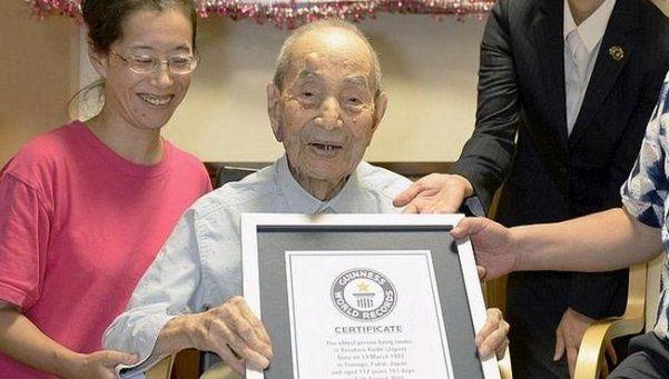 Viejos son los trapos: Japón tiene más de 65 mil personas centenarias
