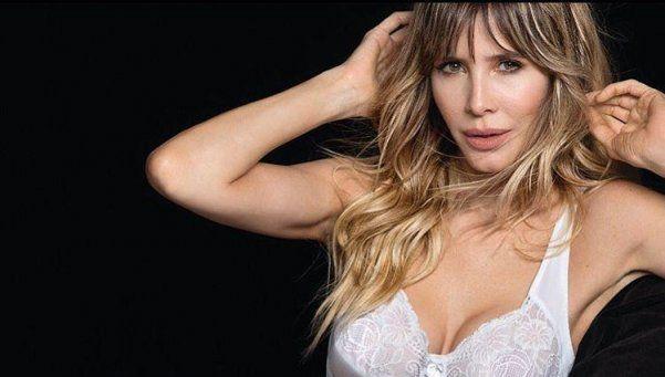 Guillermina Valdés, muy sensual y en lencería
