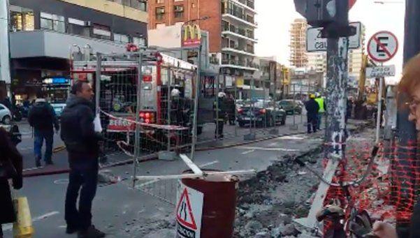 Se rompió un caño en Belgrano y hay alerta por escape de gas